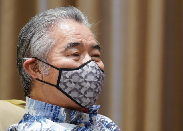 Masked Governor David Ige during COVID19 press conference held at the Capitol. April 8, 2020.