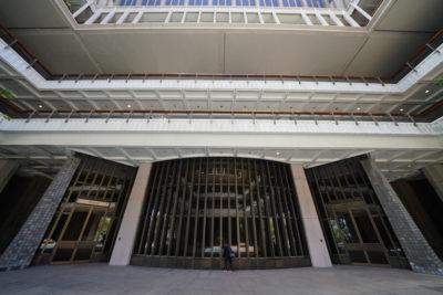 Hawaii Legislature Advances Vaping Ban, Police Reforms, Vacation Rental Crackdown