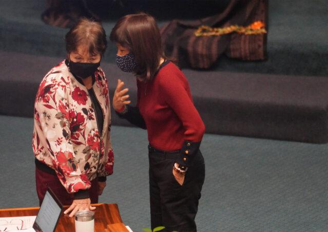 Senator Michelle Kidani chats with right, Senator Donna Mercado Kim before floor session begins. July 6, 2020