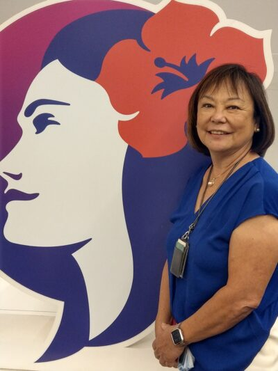 Hawaiian Airlines flight attendant retires