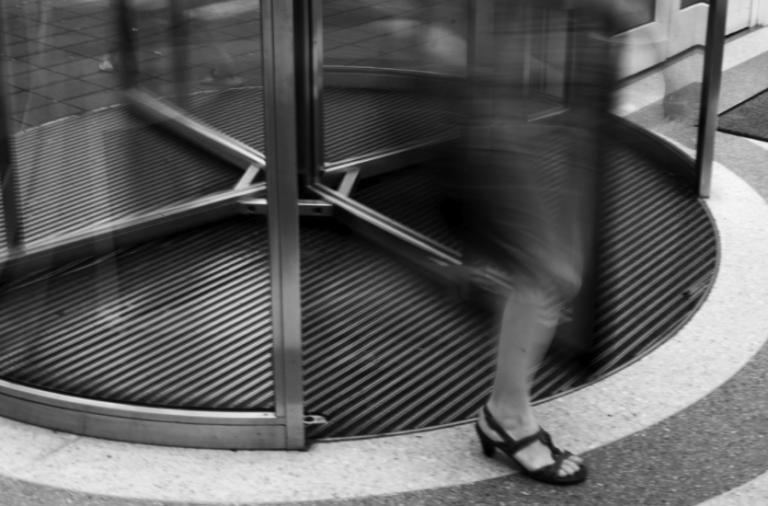 Tom Yamachika: Ige's Veto Of The 'Revolving Door' Bill