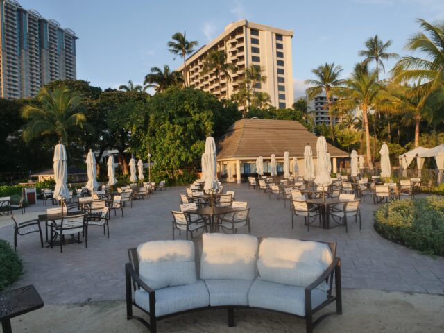 Tables and chairs remain empty at the Hale Koa beachside hotel in Waikiki, HI, Thursday, October 22, 2020. (Ronen Zilberman photo Civil Beat)