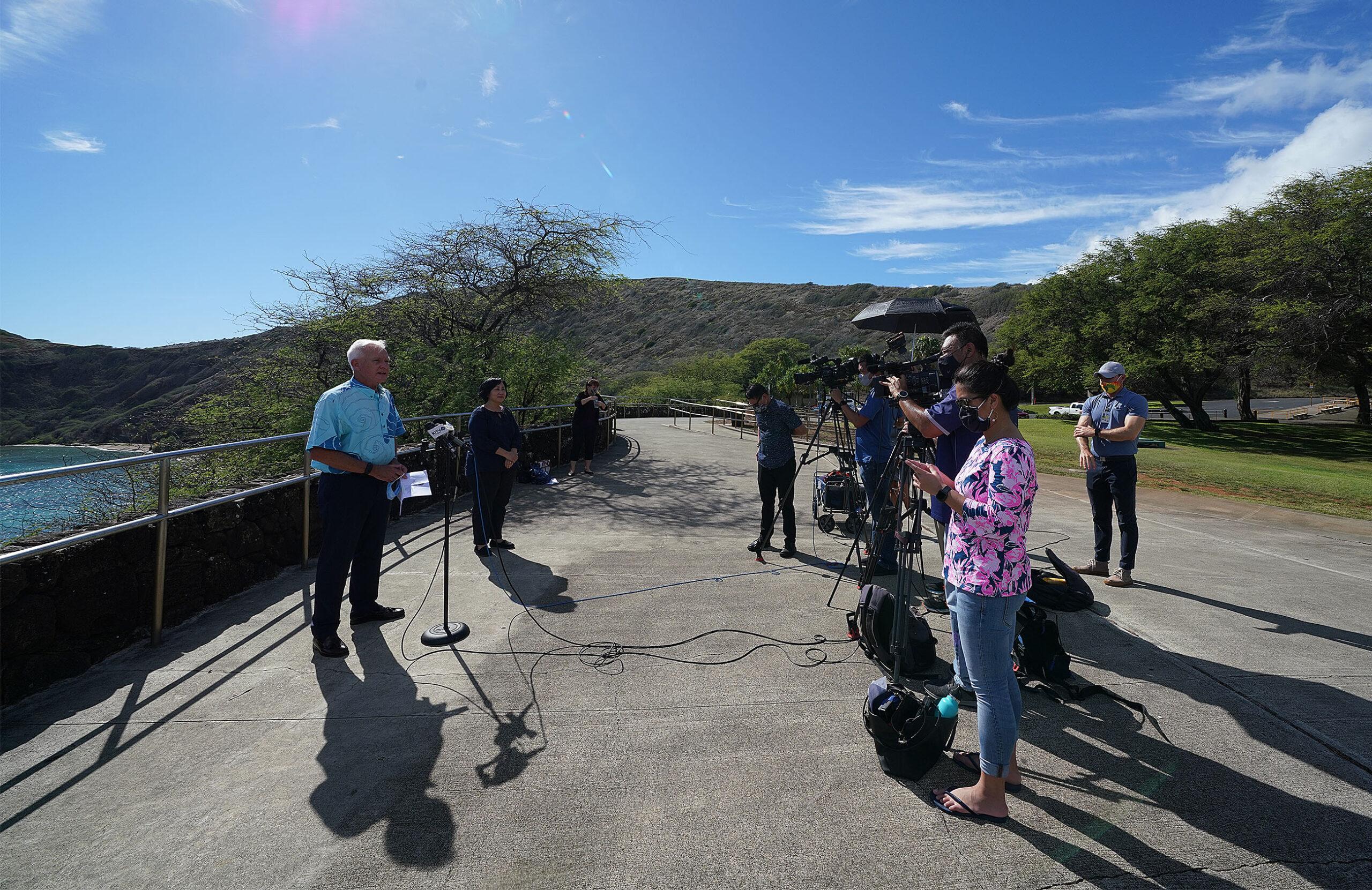 Mayor Kirk Caldwell speaks at press conference on reopening Hanauma Nature Preserve.
