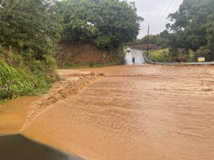 Maui Area Evacuated After Heavy Rains Cause Dam To Overflow