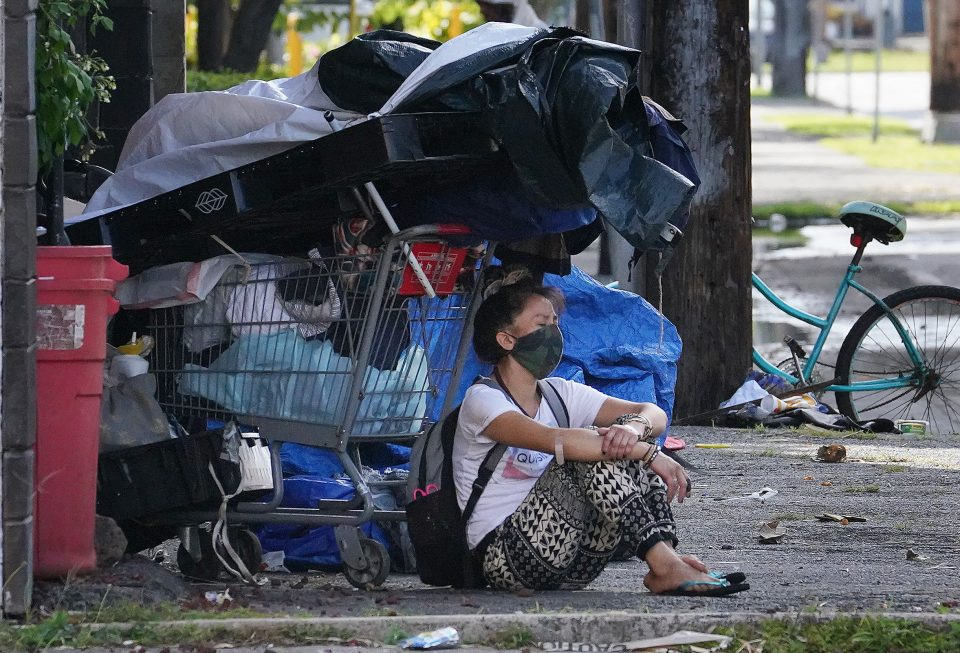 The Heat Is Especially Dangerous For Honolulu's Homeless