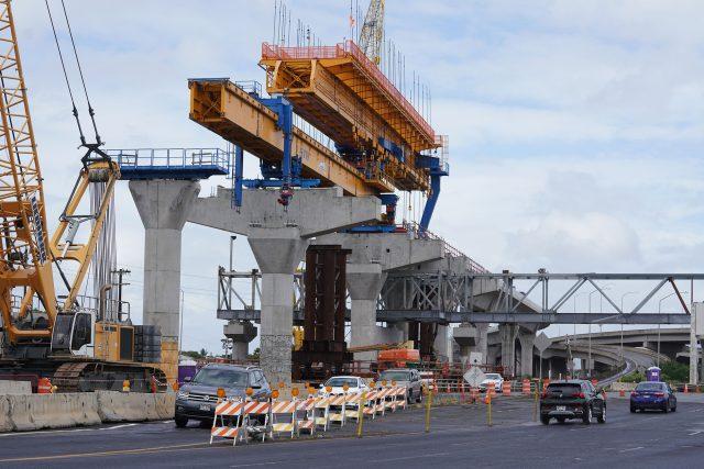 HART rail construction near Middle Street/Dillingham Boulevard.
