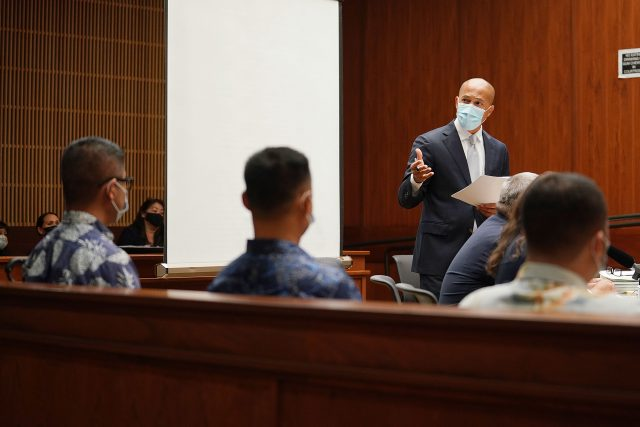 Defense attorney Thomas Otake looks over at the three defendants Honolulu Police Department officers in Judge William Domingo's court. Prosecutors will try to convince a judge that probable cause exists to formally bring charges against Geoffrey Thom, who is accused of second degree murder for shooting Sykap eight times in the back, as well as Zachary Ah Nee and Christopher Fredeluces, who are accused of second degree attempted murder for shooting at Sykap and his brother.