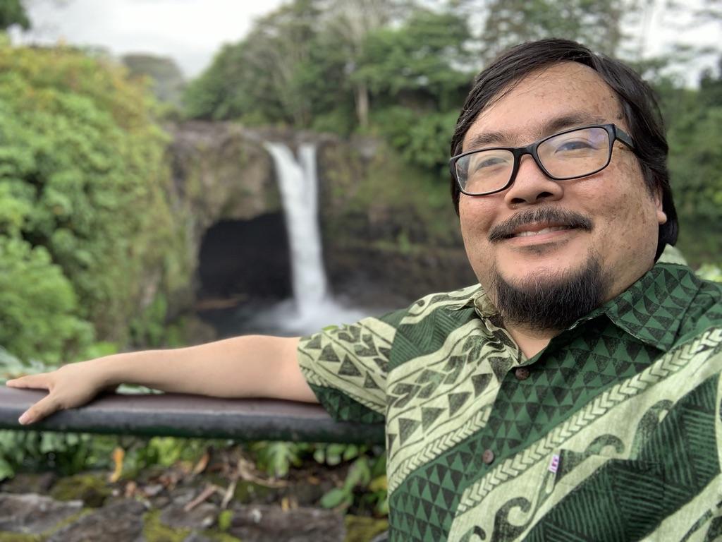 Hawaii Tech Writer Selected For <b>Facebook</b> Journalism Initiative - Honolulu Civil Beat thumbnail